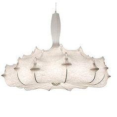 ZEPPELIN est une suspension à lumière diffuse. La structure interne est en acier recouvert d'une peinture poudre blanche. Retrouvez ce produit sur Voltex.fr.