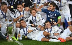 - ‪#‎RealMadrid‬ players ‪#‎Ronaldo‬ (c) and ‪#‎GarethBale‬ (r) celebrate with team mates and the trophy after the ‪#‎UEFASuperCup‬ match between Real Madrid and ‪#‎SevillaFC‬ at Cardiff City Stadium on August 12, 2014 in Cardiff, Wales.
