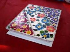 Resultado de imagen para jacarelado Decoupage, Picnic Blanket, Outdoor Blanket, Gaudi, Ideas Para, Boxing, Ideas, Handmade Crafts, Hampers