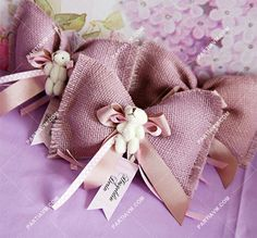 Lavender Bags, Lavender Sachets, Wedding Decorations On A Budget, Diy Wedding Favors, Creative Gift Wrapping, Creative Gifts, Baby Shower Favors, Baby Shower Parties, Professional Hair Straightener