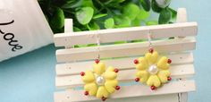 How to Make Spring Yellow Flower Earrings with Acrylic Heart Beads