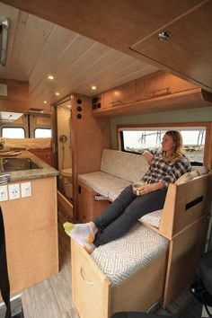Fitz Roy – Freedom Vans 170 Sprinter Van conversion – Famous Last Words Truck Camper, Kombi Motorhome, Camper Life, Camper Interior Design, Campervan Interior, Motorhome Interior, Van Conversion Interior, Camper Van Conversion Diy, Motorhome Conversions