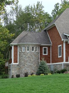 Color Cider Mill Cedar Lap Siding (color Color MP Terratone pre-stained on another site) Shingle Colors, Siding Colors, Exterior Paint Colors, Cabin Paint Colors, Semi Transparent Stain, Cedar Stain, Cedar Shingles, House Color Schemes, Exterior Houses