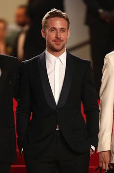 """Ryan Gosling Photos - Actor Ryan Gosling attends the """"Lost River"""" premiere during the Annual Cannes Film Festival on May 2014 in Cannes, France. - 'Lost River' Premieres at Cannes Ryan Gosling Haircut, Ryan Gosling Style, Sharp Dressed Man, Well Dressed, Cannes Film Festival 2014, Cannes 2014, Gucci Gang, Most Stylish Men, Smoking"""