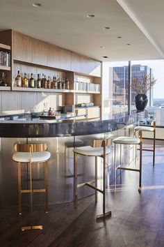 Industrial Chic, Luxury Penthouse The Vista Residence Hollywood, California Bar Contemporary by SFA Design Luxury Interior, Interior Design, Home Tutors, Luxury Bar, Luxury Penthouse, Pent House, Kitchen Remodel, House Design, Bar Kitchen