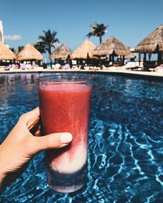 """3,977 Likes, 130 Comments - lauren kay (@laurenkaysims) on Instagram: """"[miami v]ice in my veins  comment below with your go-to pool drink!#cancun #wanderlust #travel…"""""""