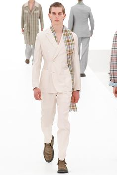 Sfilata Ermenegildo Zegna Milano Moda Uomo Primavera Estate 2016 - Vogue
