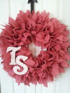 Wreath for Twisted Sisters Cupcakes.  Luv Them!