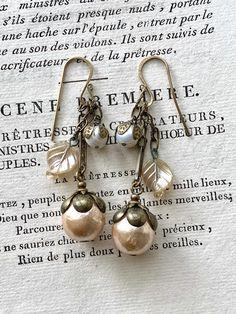 Pearl Jewelry, Beaded Jewelry, Vintage Jewelry, Jewellery, Just Peachy, Designer Earrings, Ring Earrings, Jewelry Ideas, Ears