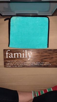 quick diy projects for the home - schnelle diy projekte für zu hause quick diy projects for the home - To Make Money diy projects Vinil Cricut, Chalk Crafts, Wood Crafts, Vinyl Crafts, Diy Wood Signs, Pallet Signs, Stencils For Wood Signs, Stencil Vinyl, Making Signs On Wood