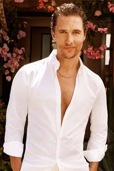 Talk about super sexy and hot so hot! Matthew McConaughey looks incredibly dashing and gorgeous! Logan Lerman, Matthew Mcconaughey, Amanda Seyfried, Elle Matthews, Raining Men, Hot Actors, Tips Belleza, Celebs, Celebrities