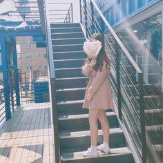 기분이 좋다 Mode Ulzzang, Ulzzang Korean Girl, Korean Aesthetic, Aesthetic Girl, Seoul Korea, Ulzzang Fashion, Korean Fashion, Girls Be Like, Cute Girls