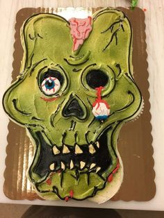 Whimsical Halloween, Halloween Sweets, Halloween Baking, Halloween Food For Party, Halloween Cupcakes, Halloween Birthday, Zombie Birthday Cakes, Zombie Birthday Parties, Zombie Party