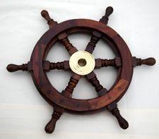 Roue de bateau traditionnelle en bois 6 rayons avec partie centrale en laiton