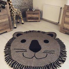 """689 Likes, 9 Comments - Vanessa Eduardo (@passa_la_em_casa) on Instagram: """"Muito lindo esse leãozinho ❤️ . . . By @tati_haekelt . . . #crochet #crochetaddict #crochê…"""""""