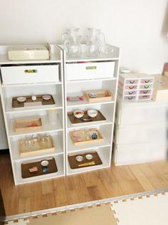 教具棚 モンテッソーリ Montessori, Handmade Toys, Kids Room, Projects To Try, Children, Table, House, Furniture, Home Decor