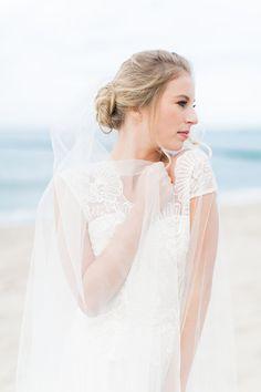 Brautmode Von Qaragma | Friedatheres.com  Fotos: Pastellgeschichten Kleider: Qaragma Haare & Make-Up: Rouge Rosé