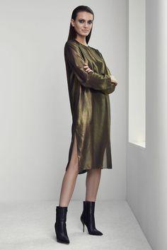 Jeffrey Dodd RTW Fall 2015 All Fashion, Unique Fashion, Runway Fashion, Fashion Design, Fashion Trends, Womens Fashion, Catwalk Collection, Everyday Dresses, Minimal Fashion