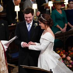 Wedding Ceremony of Princess Eugenie and Jack Brooksbank Princess Beatrice Wedding, Princess Elizabeth, Princess Wedding, Elizabeth Ii, Princess Diana, Royal Wedding Gowns, Royal Weddings, Wedding Bride, Wedding Ceremony