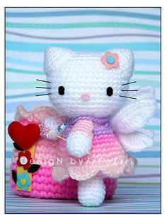 """Hello Kitty Amigurumi – Free Crochet Pattern No it's not. I just thought I&… Hello Kitty Amigurumi – Free Crochet Pattern No it's not. I just thought I'd try to """" wing it"""" from the picture. Crochet Diy, Chat Crochet, Crochet Mignon, Crochet Amigurumi, Love Crochet, Crochet For Kids, Amigurumi Doll, Amigurumi Patterns, Crochet Crafts"""