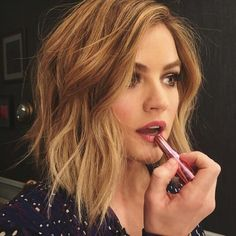 lucy hale, pll, and pretty little liars Bild