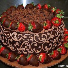 Strawberry Chocolate Fancy Cake