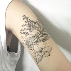 b&w flowers tattoo