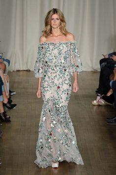 Marchesa ready to wear SS15 at London Fashion Week. Gipsy style.