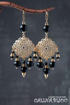 Купить Позолоченные серьги с ониксом - золотой, черный, серьги, серьги с камнями, серьги ручной работы Custom Earrings, Gold Earrings Designs, Bead Earrings, Tatting Jewelry, Beaded Jewelry, Diy African Jewelry, Swarovski, Moon Jewelry, Homemade Jewelry
