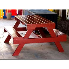 Def making this!Can get our hands on tons of pallets for free! Were so excited!