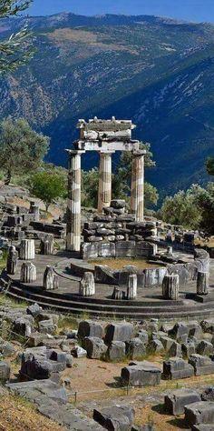 Delfi, The Tholos Temple, Greece