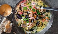 Kremet fiskesuppe med blåskjell, fisk, reker og grønnsaker #middag #enkel #selskap
