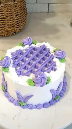 Cake Decorating Frosting, Cake Decorating Designs, Cake Decorating For Beginners, Creative Cake Decorating, Cake Decorating Techniques, Cake Decorating Tutorials, Creative Cakes, Cookie Decorating, Decorating Ideas