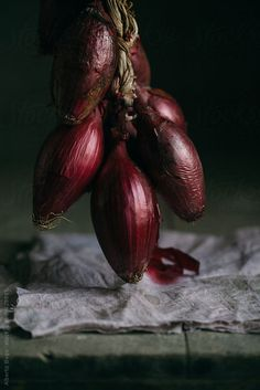 Red Onions by Alberto Bogo