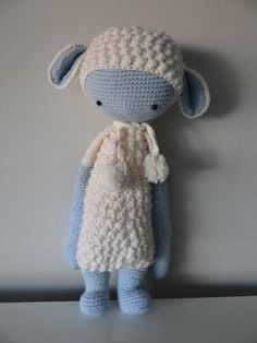 LUPO the lamb made by Ma Àngels / crochet pattern by lalylala