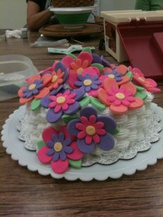 Michaels Cake Decorating Class Sign Up Pleasing Flowers From Class 3 Of Course 3 Of Wilton Cake Decorating At Review