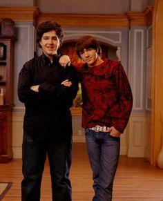 Drake Bell and Josh Peck! Drake Bell, Drake Y Josh, Nickelodeon Shows 2000, Dan Schneider, Josh Peck, Teen Tv, Old Shows, Daryl Dixon, Best Tv Shows