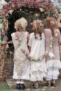 We Heart It 経由の画像 #ceremony #criancas #cute #girls #meninas #pastel