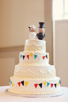 Google Image Result for http://www.brides.com/blogs/aisle-say/carnival-wedding-cake-ideas.jpg