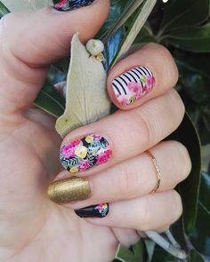 Just because it's #fall doesn't mean you can't #rock some #floralmanicure right #nailbesties - ? #stripedmanicure #sparklemanicure #glittermanicure #nailsofinstagram #notd #nailsofig #nailswag #diynailart #nailart #nails #nailcare #glutenfree #betterthanpolish #nailpolish #beauty #nailideas #ilovenails #ignails #veganbeauty #crueltyfreebeauty