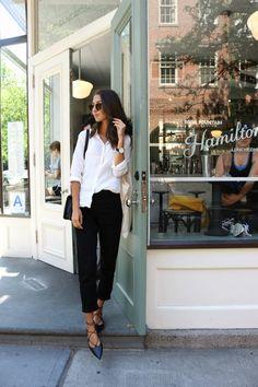 Jeans - Topshop, Shirt - Uniqlo, Shoes - Topshop, Sunglasses - Asos, Bag - Chanel. Hittade det här lilla stället i West Village och tyckte det var så fint så var tvungen att ta några bilder. Blev så himla fint med ljuset och allting! Vad tycker ni om outfiten? Jag älskar verkligen mina nya skor,...
