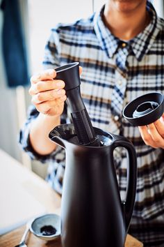 When our 1L ThermoTup Pitcher is locked, it can keep coffee or tea hot for up to 12 hours! #Tupperware