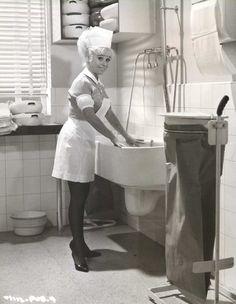 Nurse Sandra May - Barbara Windsor - Carry On Doctor 1967 Barbara Windsor, British Comedy, English Comedy, British Humor, British Actors, Sidney James, Elizabeth Montgomery, Film Images, School Girl Outfit