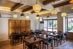 Korean Traditional, Traditional House, Cafe Design, Interior Design, Slide Images, Small Restaurants, Table, Furniture, Home Decor