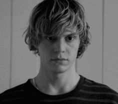 Tate Langdon - American Horror Story: Murder House --- gif