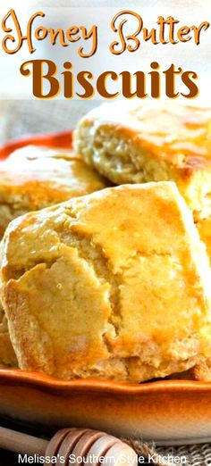 These homemade Honey Butter Biscuits are basted in a glaze that's buttery and sweet. Honey Biscuit Recipe, Butter Biscuits Recipe, Cinnamon Biscuits, Homemade Biscuits, Buttermilk Biscuits, Homemade Breads, Pastry Recipes, Bread Recipes, Baking Recipes
