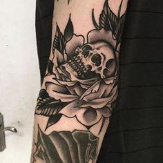 Tattoo by @alex_bage