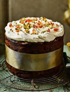 Decoration idea: Naked Christmas cake