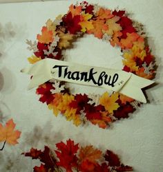 Thankful wreath- 17 Creative and Easy DIY Home Decor Crafts for the Thanksgiving Holiday