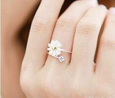 <3 <3 <3  http://www.wanelo.com/women/Lovely+Small+Chrysanthemum+Flower+Ring-311513.html